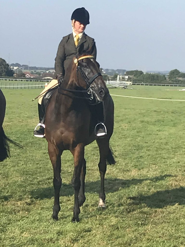 Nicki Russell & Sizing Autrailia 2019 Aintree
